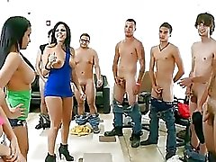 Abella Anderson & Her Pals Tease...