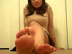 Sensual footjobs courtesy of these amateur babes
