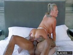 Samantha Saint massages and sucks BBC