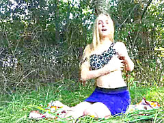 jaw-dropping young girl Elizabeth Evans outdoor wanking her cooch in the woods in a clearing