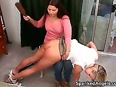Hot nasty horny babe gets her big ass
